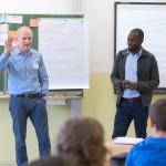 Thomas Schmidt und Hans Sarpei diskutieren